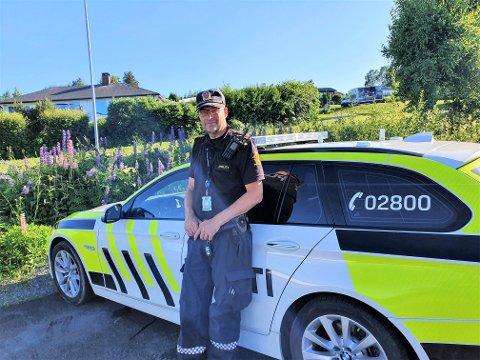 LASER: Politiførstebetjent Lars Olav Stepperud bemannet laseren under fartskontrollen onsdag.