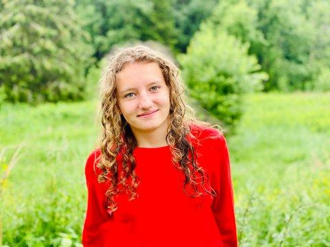 POPULÆR: Fiona Kasapi fra Hunndalen har flere tusen følgere fra hele verden på TikTok.