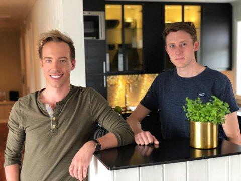 SOMMERSYSSEL: Martin (27) og Henning (27) har brukt sommeren godt på oppussing.