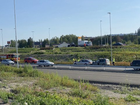 TRAFIKKULYKKE: To biler var onsdag ettermiddag involvert i en trafikkulykke på E6 ved Rudshøgda. Foto: Gaute Freng/Ringsaker Blad