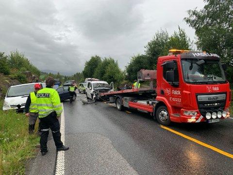 BERGING: Ulykke på E16 mellom Lunner og Jevnaker onsdag morgen.