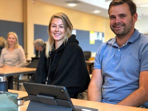 PÅ IPAD-KURS: – Det blir både spennende og utfordrende å ta i bruk iPad som læringsverktøy i klasserommet, sier Ida Kalgraff og Thorbjørn Lønstad, som underviser på 7. trinn ved Gjøvik skole.