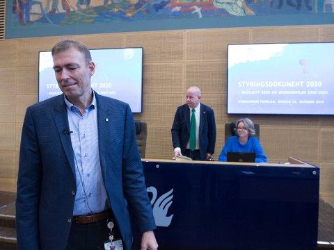 PÅ VEI UT: Magnus Mathisen er på vei ut døra som kommunedirektør i Gjøvik kommune - det kan fort ta seks måneder å finne hans erstatter.