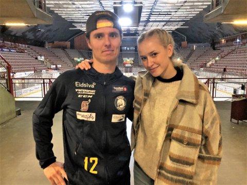FIKK TRØST: Amund Kjeverud Nyland fant fort tilbake smilet da han møtte samboeren Madeleine Øvrum fra Dokka etter stortapwet mot Nidaros.