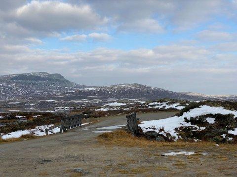 FUNNET OMKOMMET: To jegere fra Land ble funnet omkommet i campingvogna si i dette området på Venabygdsfjellet.
