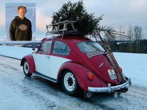 VINTERTUR: Den klassiske bobla til Lars Stian Svenskerud i Kolbu er for tiden i vinterlagring, men en liten juletur ble det likevel tid til.