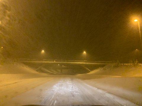 RIKSVEI 4: Slik så det ut på riksvei 4 ved Reinsvoll onsdag morgen.