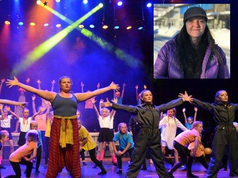 TENKER NYTT: Monica Sogn Evenstuen (innfelt) håper nyvinningen iHuga Lænninger skal sørge for økt kulturell aktivitet i Nordre Land. Det store bildet er fra en forestilling kulturskolen på Dokka hadde i 2018.