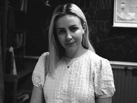 BEKYMRET: Som utøvende sanger og skuespiller har Ameline Tangen Sørgen ofte kjent på et stort press. Men å finne noen å snakke med som forstår kunstnerens psyke, har vært vanskelig. Det håper hun det snart blir en ordning på.