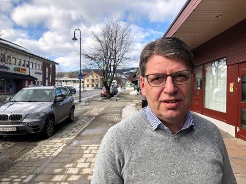 IKKE PÅBUD: Ola Tore Dokken og resten av kommunestyret vil ikke påby munnbind, men oppfordrer sterkt om å bruke det. FOTO: INGVAR SKATTEBU