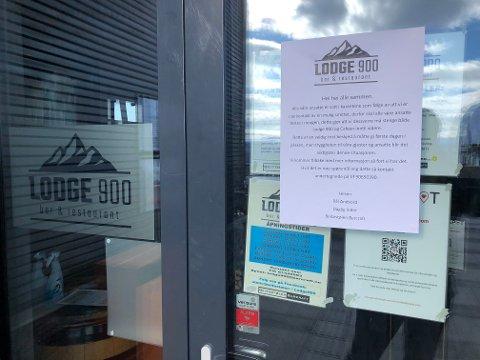 STENGT: Lodge 900 er stengt da de ansatte er i karantene etter nærkontakt med en mulig smittet.
