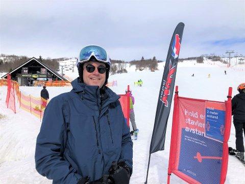FØLES TRYGT: Martin Lorentzen fra Oslo valgte Beitostølen siden Spania var uaktuelt som påskeferiemål i år. FOTO: INGVAR SKATTEBU