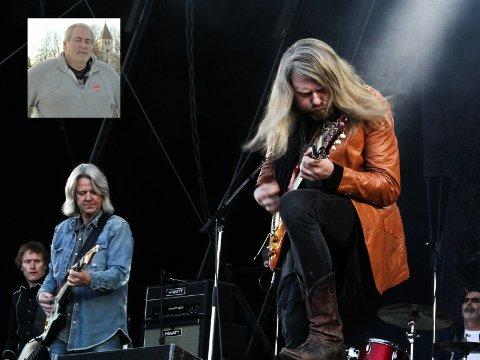 KRYSSER FINGRA: Til sommeren håper Terje Slettum verden er såpass på plass at så mange som mulig får med seg Hellbillies på 2830-festivalen.