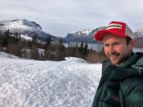 UTSIKT: Øyvind Leine Thune lokker med fantastisk utsikt for å få flere innbyggere til Vang i Valdres. FOTO: INGVAR SKATTEBU
