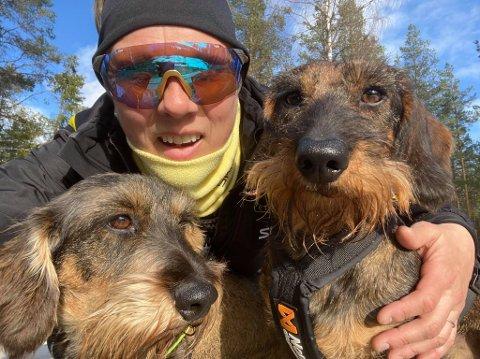 HUNDEMØKK-KONKURRANSE: Inger Kristin Gravdahl fra Raufoss har startet en konkurranse for å fjerne hundemøkka fra gatene.