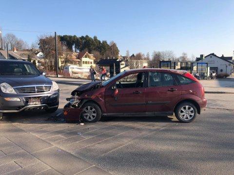 Kollisjon: To ganger lørdag er mannen stoppet og tatt med av politiet mistenkt for fyllekjøring. Han skal ha kjørt bilen til venstre.