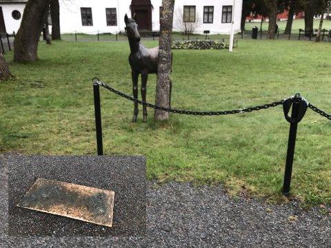 PÅ VIFT: Arne Durbans populære skulptur «Fole» har i løpet av natta fått et nytt tilholdssted på Gjøvik gård.