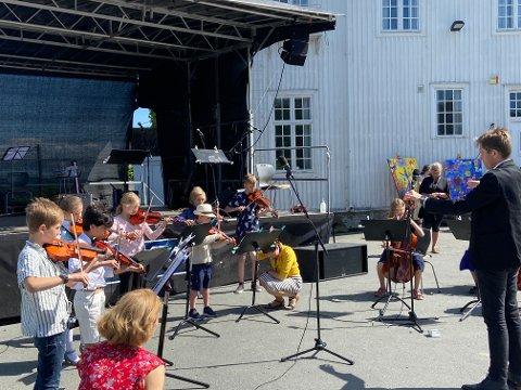Både Veslefrikk og Juniororkesteret vartet opp med komposisjoner fra ny og gammel tid.