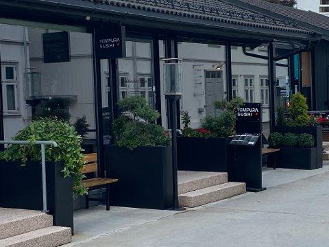 ULOVLIG: Denne restauranten i Lillestrøm ber de ansatte skriver under på arbeidskontrakter med til dels ulovlig innhold.