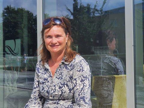 BEHAGELIG I GJØVIK, MEN: –A ll gravingen her legger en demper på opplevelsen her i Gjøvik, sier Marit Hansen fra Trondheim.