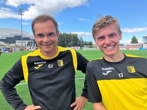 INTERESSANT: Markus Johnsgård (t.h) er en spiller trener Christian Johnsen synes er spennende og interessant.