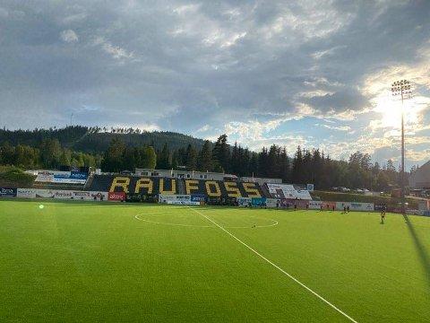 SKADET: Undervarmeanlegget på Nammo stadion måtte repareres etter da det ble oppdaget at det var ødelagt i fjor.