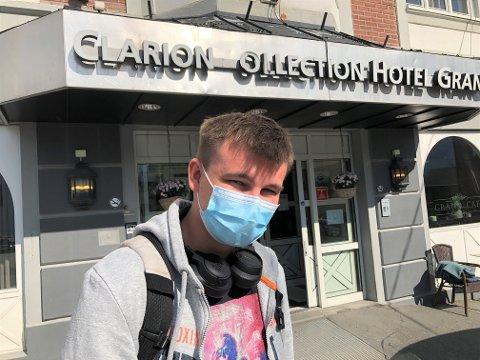 SPESIELL STUDIESTART: Daniel Lillevik er fersk student ved NTNU i Gjøvik. De siste ti dagene har han sittet i isolasjon på Grand hotel.