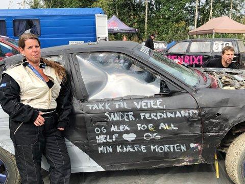 MORO: Anita Thoresen viste sin takknemlikghet til resten av familien mellom rundene i Krabytreffen, mens samboer Morten Gulbrandsen var mekaniker.