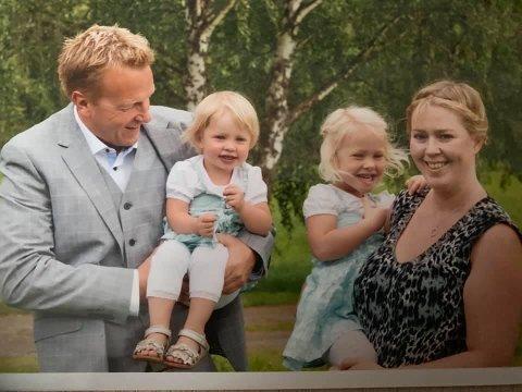 Erik Holbø, Kari Hollekve og jentene Eline og Hanna