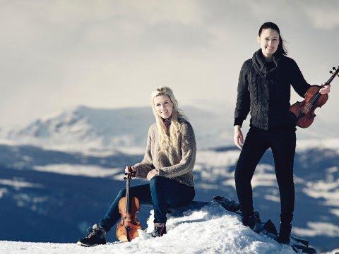 KLARE TIL FEST: Ragnhild (t.h.) og Eldbjørg Hemsing kan endelig invitere til nok en Hemsingfestival.