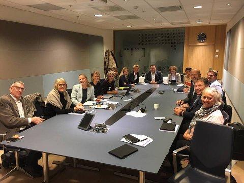 Follorådet, NMBU, Ås kommune og fylkeskommunnen signerte en plattform for næringsutvkling i forrige uke.