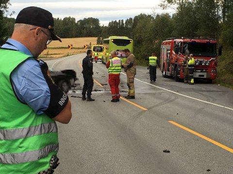 Omkom: Dette er fra trafikkulykken ved Horgen i september. En 22 år gammel mann fra Drammen omkom.arkivfoto