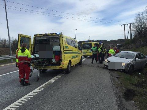 Sjåføren sovnet og kjørte av E6 rundt 16:30 søndag ettermiddag. Foto: tipser.no / Nils Y. Nilsen