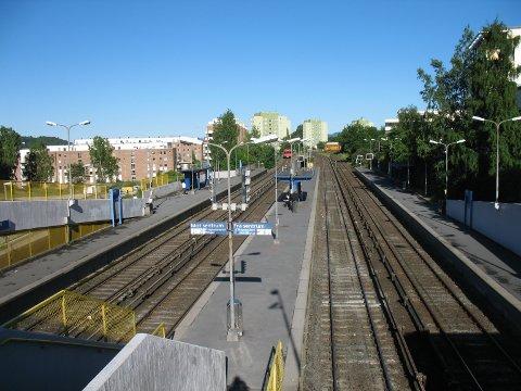 HIT: NSBs erstatningsbusser til Ski går herfra - Brynseng t-bane-stasjon.