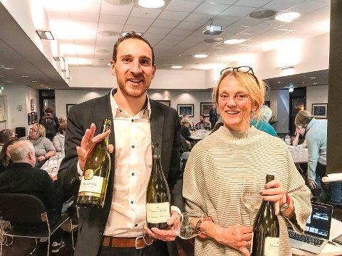 Thibault de Lartigue fra Domaine Laroche og Marianne Skjervold, sekretær i Ås vinklubb, var fornøyd med kveldens møte.