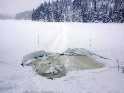 Politiet i Follo advarer mot tynn is. Her fra Nordmarka i 2014.