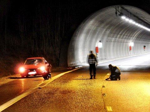 Ulykke E6 i Frogn, mann fra Askim omkom da han ble påkjørt etter å ha gått ut av bilen.