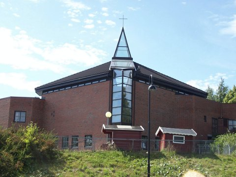 FESTDAG: Ski nye kirke.