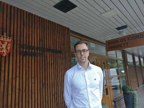 SIVIL ULYDIGHET: SVs stortingsrepresentant Nicholas Wilkinson måtte tirsdag møte i Sogn og Fjordane tingrett etter fjorårets lenkeaksjon ved Førdefjorden.