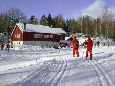 FANTASTISK: - Vi har fått skiføre i Østmarka, jubler Sebastien Barrault på Sandbakken.