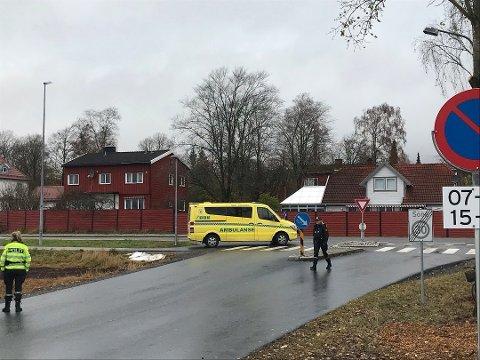 PÅKJØRT: En kvinnelig syklist ble påkjørt av en bilist ved Åsgård skole nylig.