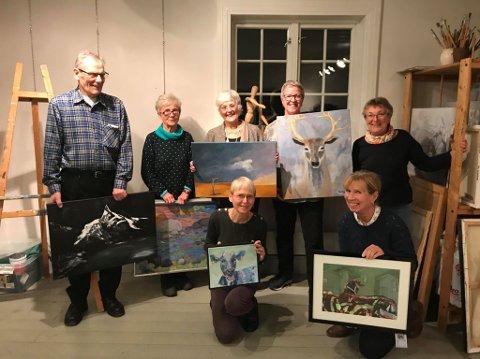 KLARE: Det er nok en gang klart for utstilling i regi av Ski Malerklubb.