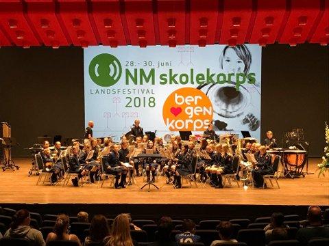 SPILLER OPP: Sofiemyr skolekorps spiller musikk fra hele verden under lørdagens konsert. Her fra Grieghallen i sommer.