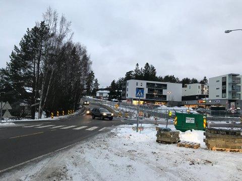 LYSFRITT: Lysene er borte fra krysset Langhusveien-Gamle Vevelstadvei.