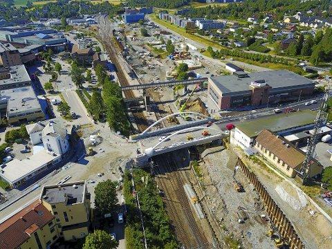 STØY: Kl. 05 natt til 10. februar starter arbeidet på nordsiden av Nordbyveien bro, og ved tunnelområdet ved Langhusveien. Arbeidet vil avsluttes kl. 12 søndag morgen.