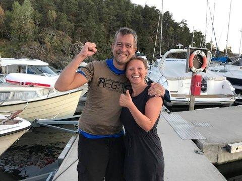 VEL GJENNOMFØRT: Den spreke duoen var godt fornøyde (og rufsete i håret) etter vel gjennomført svømmeøkt over Bunnefjorden.