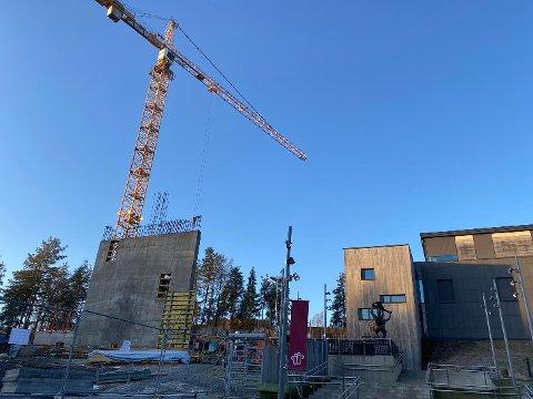 Om alt går etter planen skal 104 rom og suiter fordelt over ni etasjer stå klar overgangen til 2021