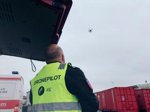 NYTT TILSKUDD: Follo Brannvesen begynte å bruke drone i arbeidet sitt i januar. Den har blant annet blitt brukt i søk etter savnede mennesker og under skogbrann.
