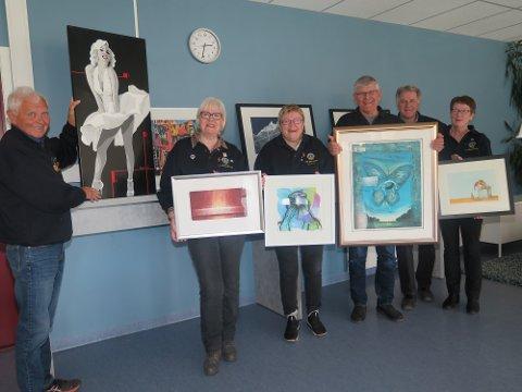 STOR GJENG:  Her er noen av kunstkomitéens medlemmer, fra v. Per Saltvik, Maie Røise Bondkall, Kristin Selmer, Kjell Johansen, Arnfinn Bondkall og Kari Karlsson.