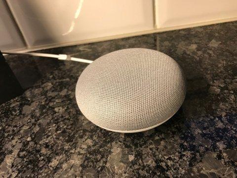 SMART: Slik ser en smarthøyttaller ut. Via denne kan du nå bli oppdatert om siste nytt fra Østlandets Blad - rett hjem, bokstavelig talt.